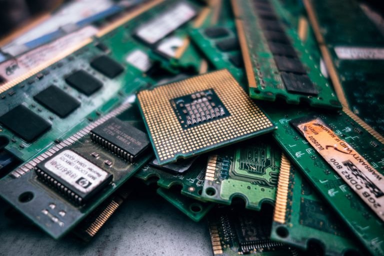 AMD vs Intel : Battle of the CPU's